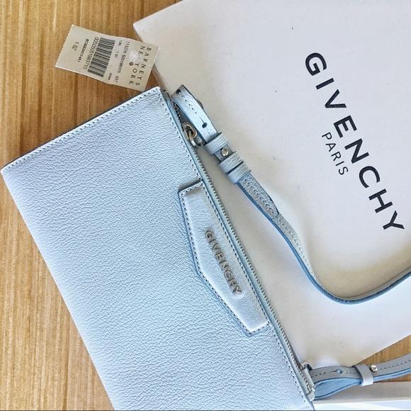 96ee95591562 NIB Givenchy Antigona Crossbody Pouch Bag WOC